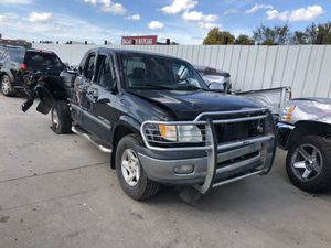 2001 tundra for parts PARTS ONLY for Sale in Dallas, TX