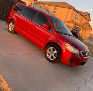 2010 Volkswagan Routan for Sale in El Mirage, AZ