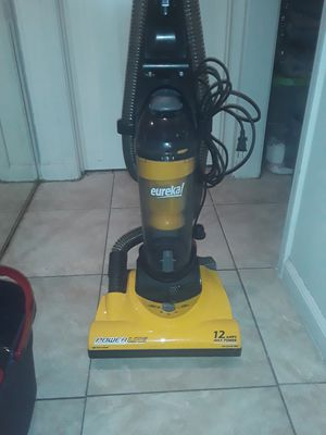 Eureeka Power Line Vacuum Cleaner for Sale in Glendale, AZ