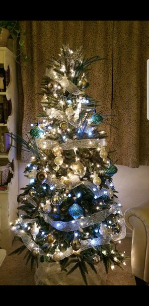 Artificial Christmas tree (includes all decor) for Sale in Fresno, CA