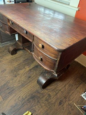 Antique desk heavy beautiful for Sale in Los Angeles, CA