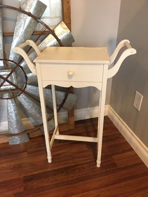 Side table for Sale in Kenmore, WA