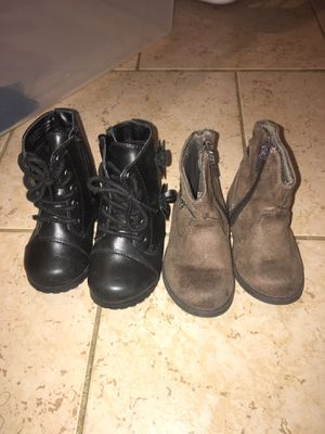 Toddler girl boots size 5 for Sale in Houston, TX