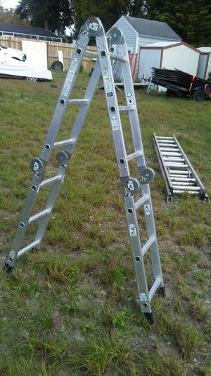 12 position foldable ladder $90 for Sale in Haines City, FL