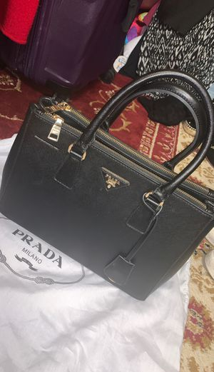 Used prada bag for Sale in Norwalk, CA