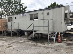 28 foot trailer with Bathroom for Sale in Hialeah, FL