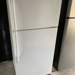 Whirlpool Refrigerator for Sale in Merced, CA