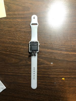 Apple Watch series 3 42mm with broken/no screen for Sale in Reedley, CA