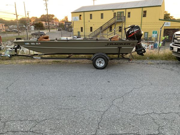 2017 Grizzly Tracker 1860