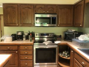 Samsung stove and microwave for Sale in Galena, OH