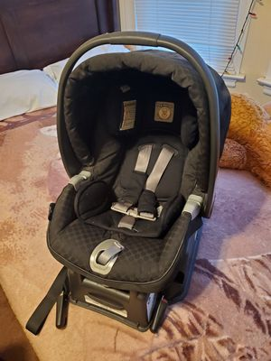 Baby booster seat for Sale in Selma, CA
