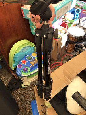 Camera tri pod for Sale in Everett, WA