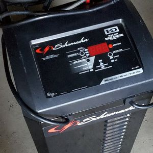 SCHUMACHER BATTERY CHARGER/JUMPER/MAINTAINER for Sale in Niles, MI