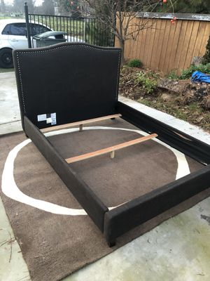 Bed frame Queen for Sale in Modesto, CA