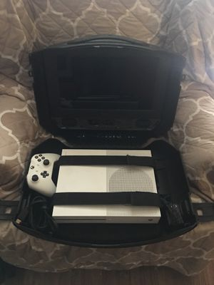 Xbox One 1tb with one s wireless controller with recharging battery and portable screen/gaming case for Sale in Washington, DC