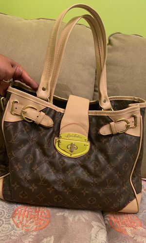 Louis Vuitton (authentic) for Sale in Nashville, TN