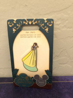 Art Of Disney Snow White Limited Edition Pin $40 or B.O. for Sale in Scottsdale, AZ