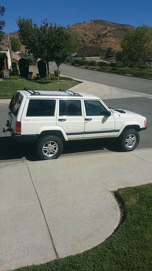 Jeep cherokee XJ for Sale in Highland, CA