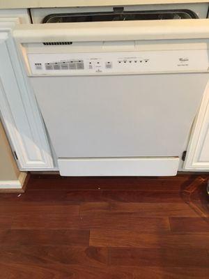 Dishwasher Whirlpool Quite wash plus for Sale in Gaithersburg, MD