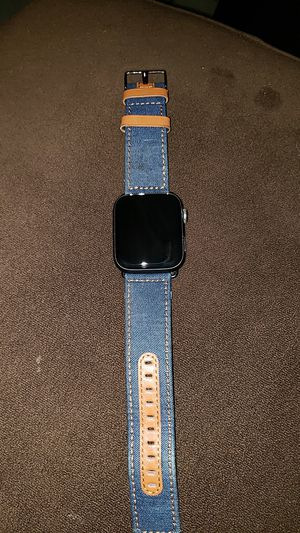 Apple watch Series 4 44mm for Sale in Poinciana, FL