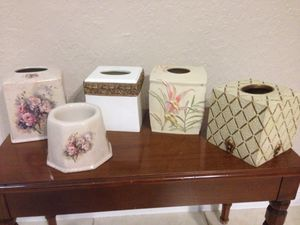 Tissues box covers, porcelain n fine ceramic, new. $3 each piece. for Sale in Miami, FL