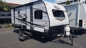 2019 Jayco 184bhs Travel trailer rv bunk model for Sale in Huntington Beach, CA