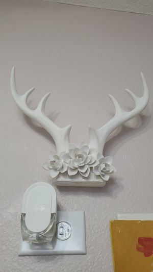 Horn hanging decor for Sale in Davenport, FL