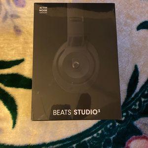 Beats Studio 3 Head Phones for Sale in Stockton, CA