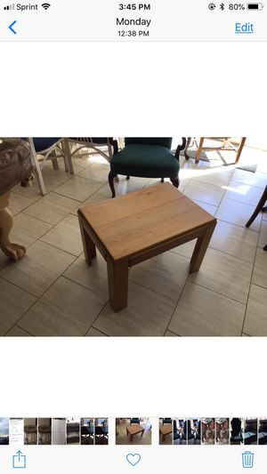 Oak end table for Sale in Gambrills, MD