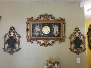 Antique clock y pedestal s for Sale in Hialeah, FL