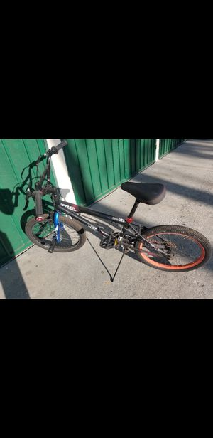 Spinner bike size 20 for Sale in Los Angeles, CA
