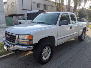 2005 GMC Sierra 1500 Pick Up Truck Z71 4wd 4x4 for Sale in Glendale, CA