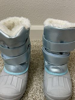 Cat&Jack Snow Boots (size 11) for Sale in Beaverton,  OR