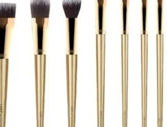 Luxie Gliter And Gold Brush Set for Sale in Reedley,  CA