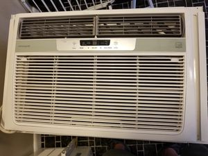 Frigidaire 25,000 btu window A/C still under warranty till 6-26-19 for Sale in Hollywood, FL
