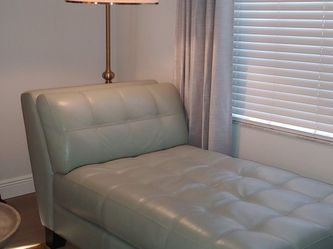 Leather Chaise for Sale in New Port Richey,  FL