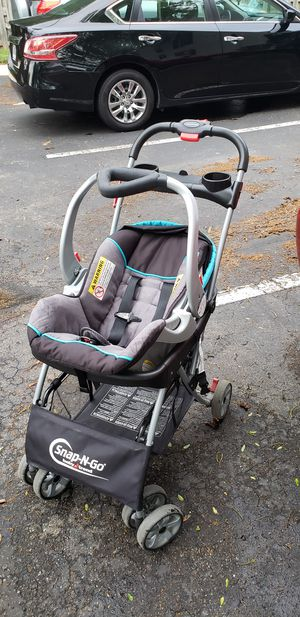 Infant Car seat with base and snap and go stroller. for Sale in Columbus, OH