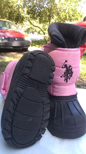 US POLO ASSN Girl Snow Boots for Sale in Fayetteville, AR