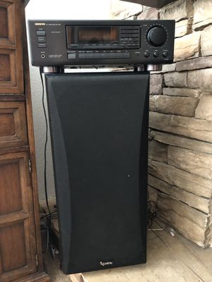 Speakers and amplifier for Sale in Carlsbad, CA