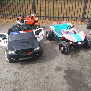 12v And 6v Power Wheel Cars Used But Running and In Perfect Condition 2 for Sale in Atlanta, GA