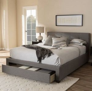 New queen size bed frame and mattress for Sale in Los Alamitos, CA
