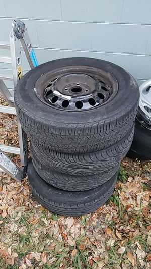 4x100 14inch tires and wheels for Sale in Tampa, FL
