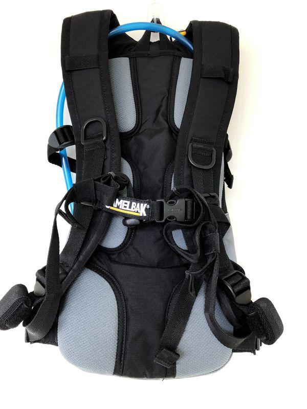 NEW Camelbak M.U.L.E. Black Gray 3L 100oz Hydration Hiking Backpack Pack Smoke free home.