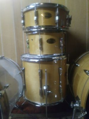 Drums drum set maple for Sale in Denver, CO