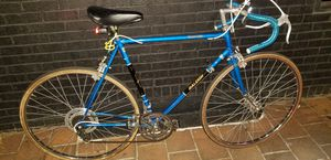 Rare original Electric blue Raleigh Grand prix road bike brand new condition ! for Sale in Warwick, RI