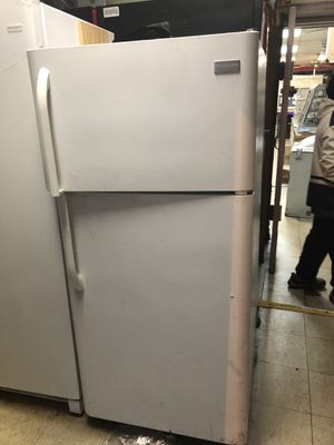 Fridgidare Refrigerator/Freezer for Sale in Jackson Township, NJ