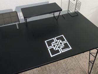 Gaming desk for Sale in Clackamas,  OR
