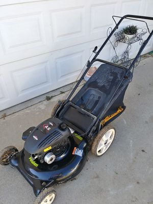 Gas lawn mower for Sale in Perris, CA
