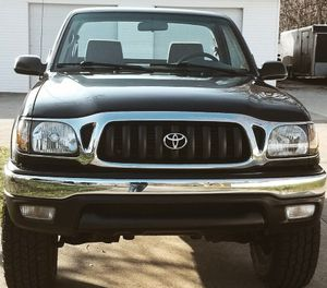 VERY COMFORTABLE TOYOTA TACOMA 2001 for Sale in Cleveland, OH
