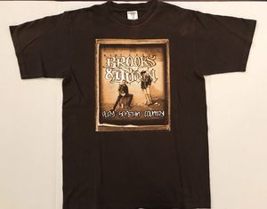 Brooks & Dunn play somethin country concert T-shirt size small for Sale in Mentor, OH